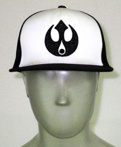 hat_mesh_black_white_01